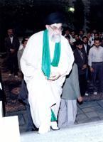 رهبری انقلاب اسلامی ایران، سید علی حسینی خامنه ای، ولی معظم فقیه